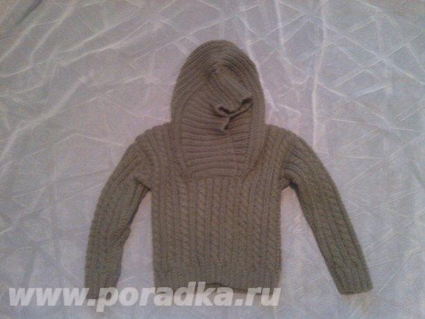 Вязаный свитер с капюшоном женский