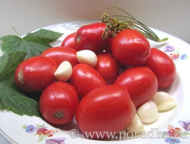 ингредиенты для приготовления маринованных помидоров