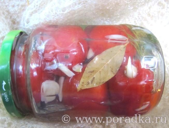 маринованные помидоры с чесноком на зиму