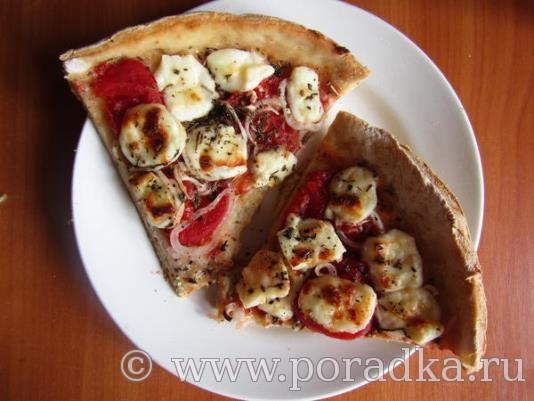 Пицца с маринованными помидорами и брынзой в домашних условиях