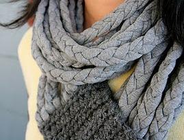 шарф из трикотажных косичек