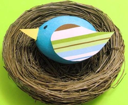 украшаем пасхальное яйцо